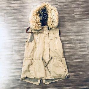 Fur army vest !